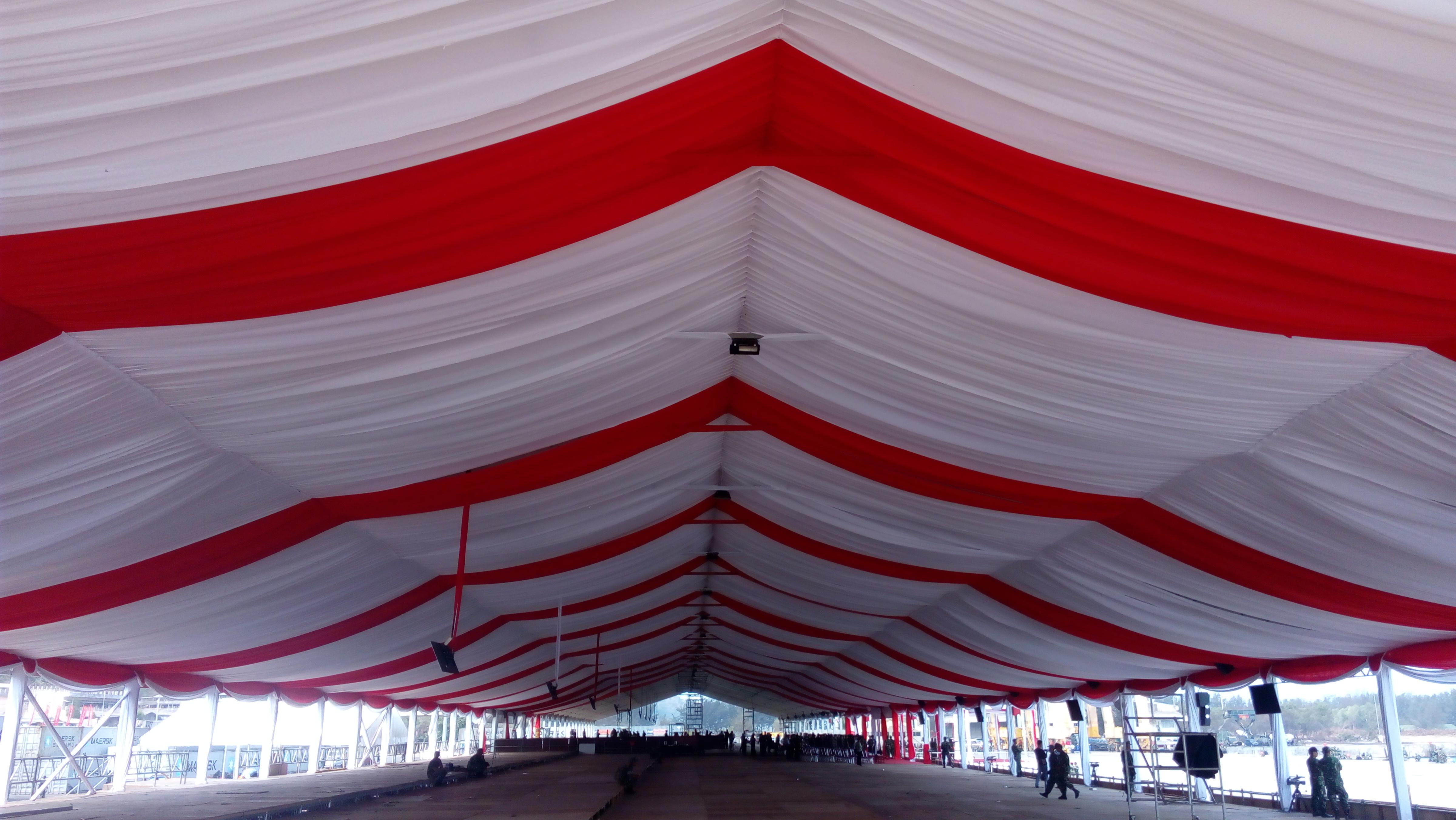 tenda roder dekorasi merah putih