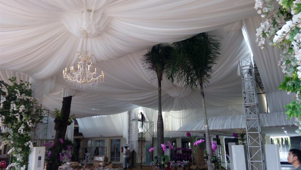 Tenda Rigging Dekorasi Putih