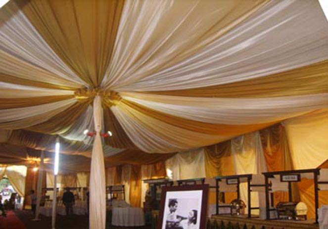 tenda balon putih, gold