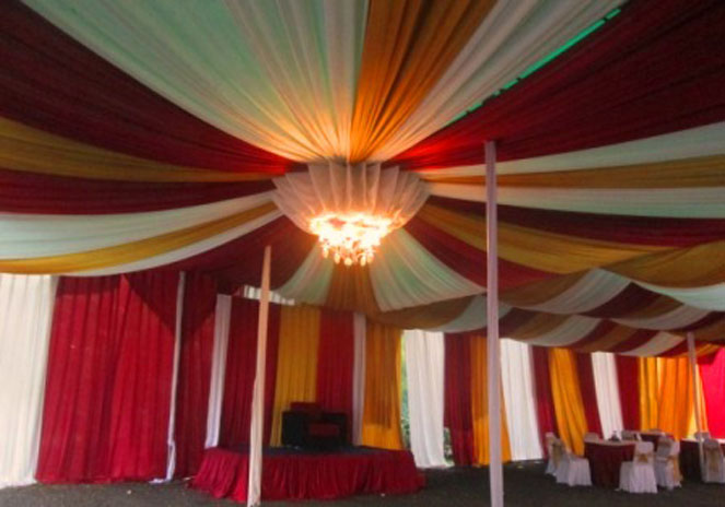 tenda balon putih, merah, gold