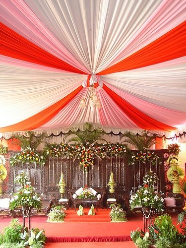 tenda balon putih orange