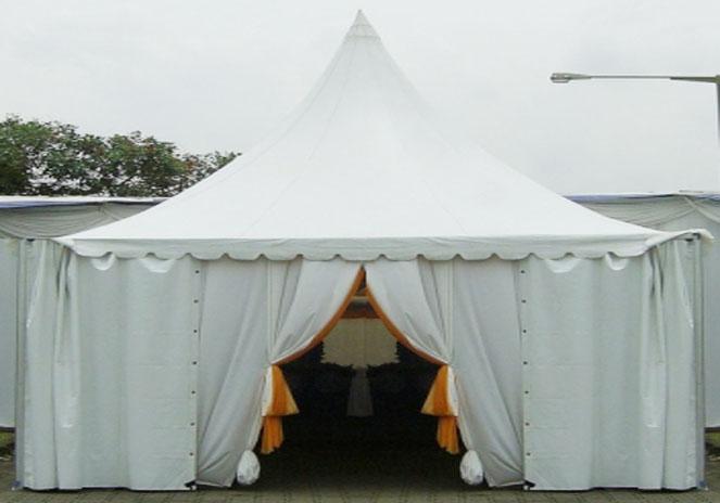 tenda kerucut pintu masuk