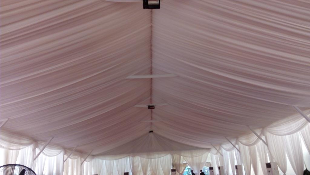tenda roder dekorasi putih